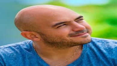 استجابة محمود العسيلي لطلب إحدى معجباته