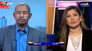 ضيف ينام خلال مقابلة تلفزيونية