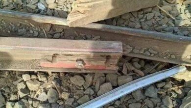استخدام وصلات خشبية على السكك الحديدية