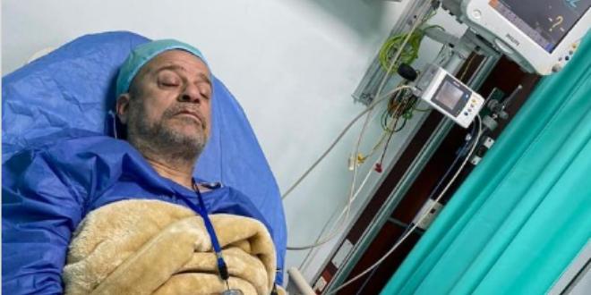 شريف منير يجري عملية جراحية