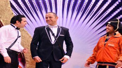 """تعرض قناة """"MBC مصر""""، غداً """"الجمعة"""" في تمام الثامنة مساءً أحدث عروض """"مسرح مصر""""، حيث تعرض المسرحية الكوميدية """"رأس السنة""""."""